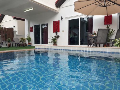 4 Bedroom Private Pool Villa in Fisherman