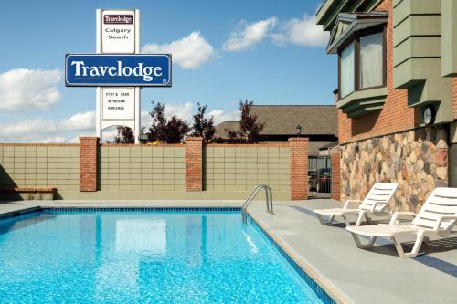 Travelodge by Wyndham Calgary South - Calgary, AB T2H 0L3