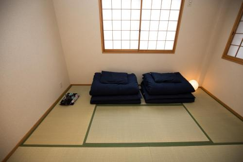 Osaka Umeda Entire House, 4 Bedrooms, River View image