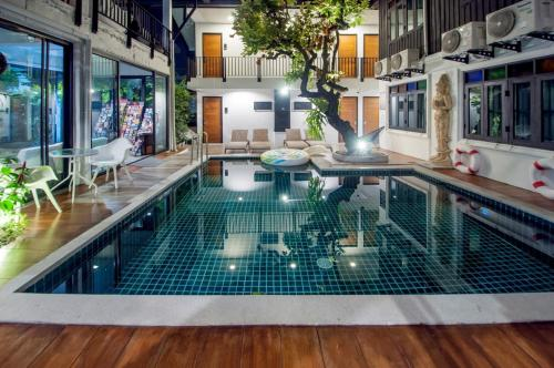 Sathu Hotel