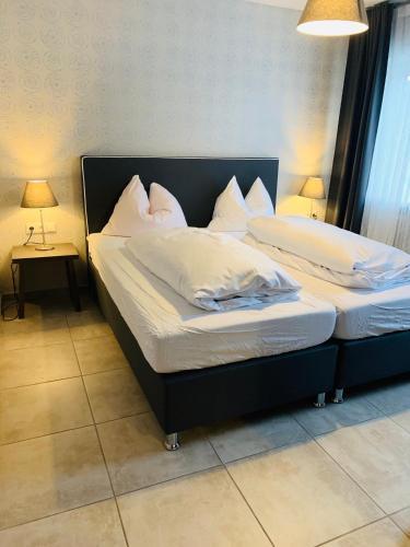 . Akropolis Hotel