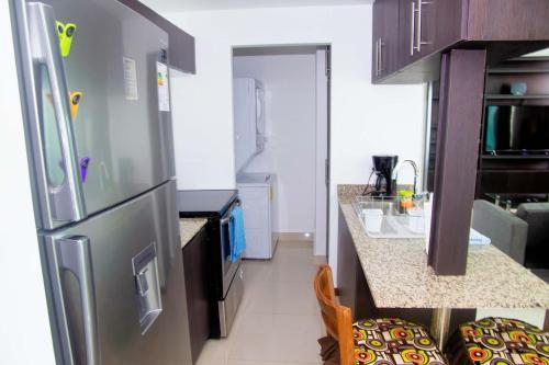 . Lujoso condominio con lavadora y secadora, S. José