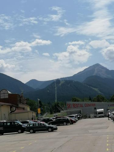 Lucy's Apartments at Spa Hotel Emerald Bansko