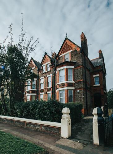 Liverpool Newsham Manor - Photo 2 of 126