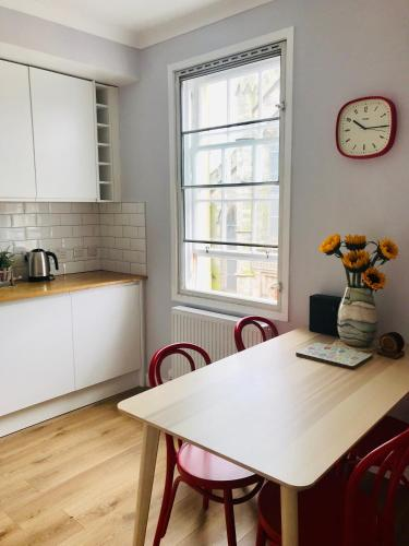 Picture of Bright And Airy Flat In The Heart Of Old Town