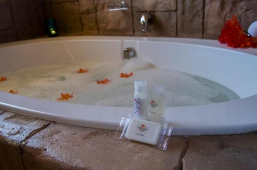Crystal Rose Lodge And Spa
