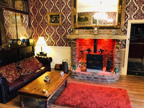 Castle Lodge Guest House - Photo 2 of 80