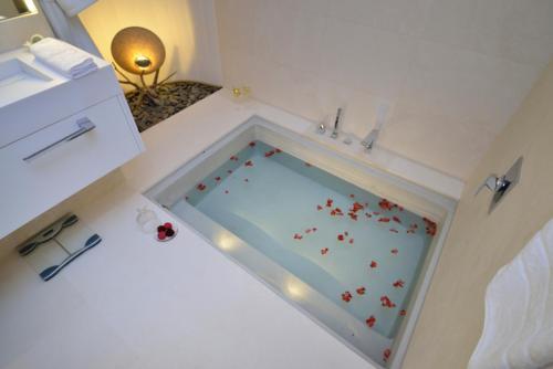Suite exclusiva con chimenea privada Boutique Hotel Spa Calma Blanca 12