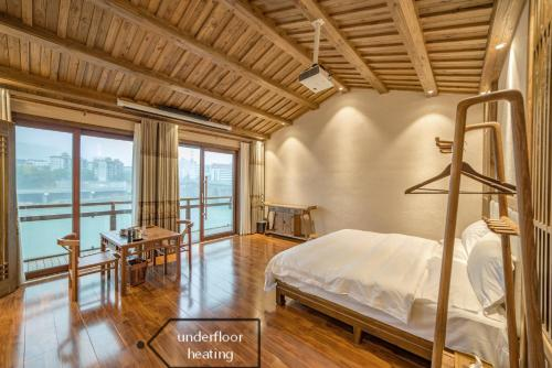 River View Wooden Guesthouse