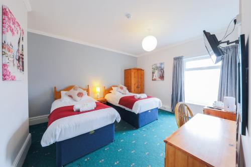 The Clee Hotel - Cleethorpes, Grimsby, Lincolnshire - Photo 4 of 68