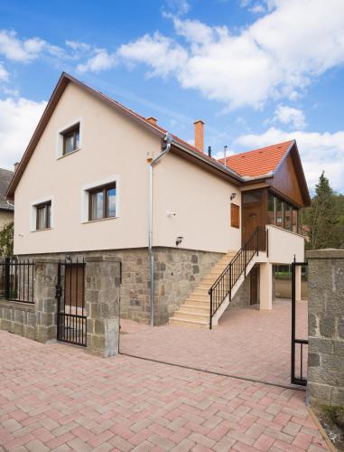 Harangvirág Apartmanház - Visegrád, Pension in Visegrád