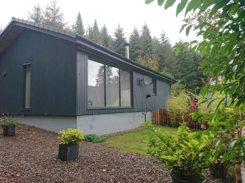 Loch Ness Highland Cottages (With Loch View)