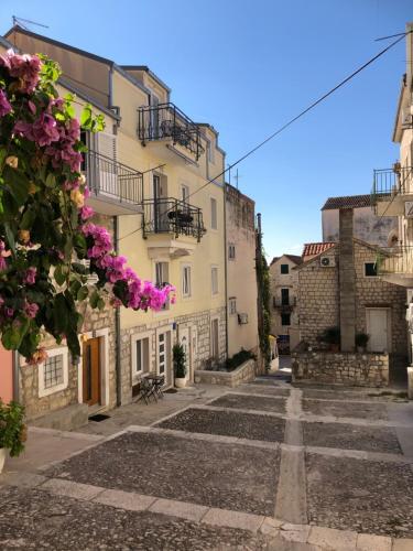 Luxury City Center Apartments, Pension in Makarska
