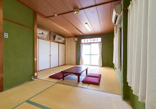 Minshuku Atsuhama