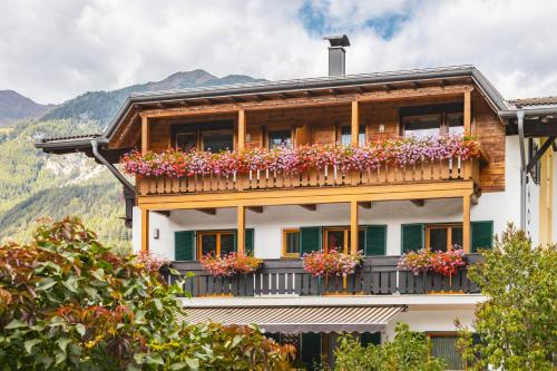 Hotel Erna - Colle Isarco