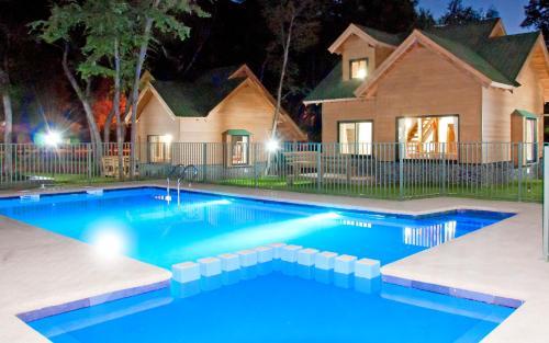 . Cabanas y Lodge Los Hualles