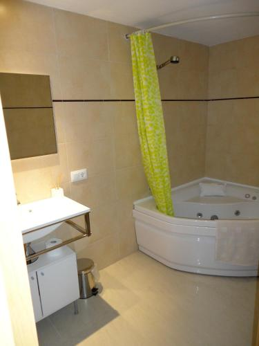 Фото отеля Residencial Suites Valldemossa - Turismo de Interior