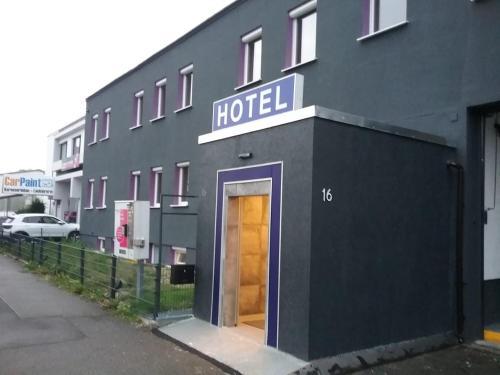 . Hotel P&P V-V UG