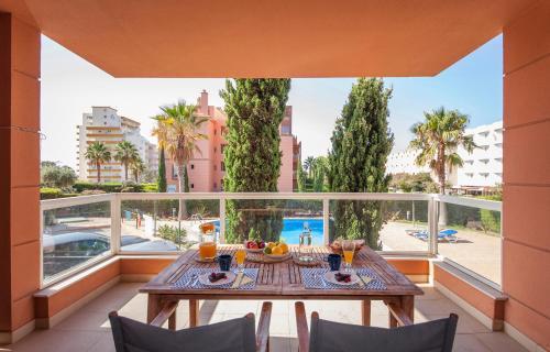. B02 - Fantastic Apartment with Pool