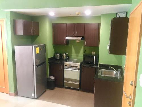 One bedroom suite, Eastwood City with free unli wifi fiber, Quezon City