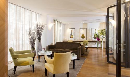 Hôtel Le Colisée - Hôtel - Paris