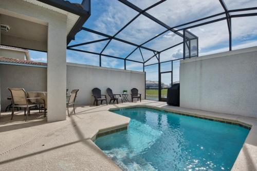Modern Bargains - Storey Lake Resort - Beautiful Cozy 5 Beds 4 Baths Townhome - 5 Miles To Disney - image 1