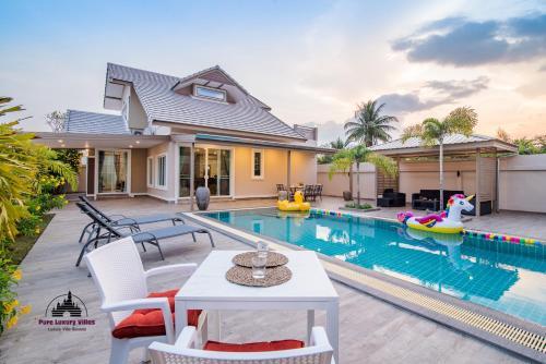 Super Fine Pool Villa in Friendly Hua Hin Village Super Fine Pool Villa in Friendly Hua Hin Village