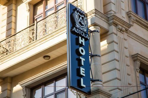 Astola Hotel