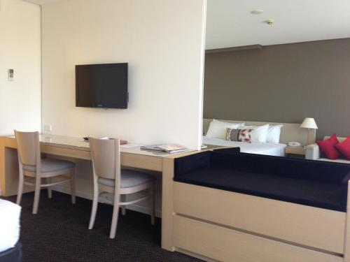 Coogee Sands Hotel & Apartments - image 4