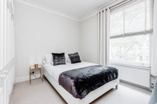 Beautiful One Bedroom In Heart Of Kensington