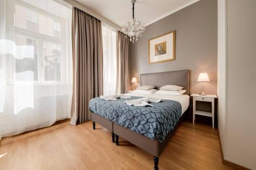 New Apartment by Dancing House in heart of Prague