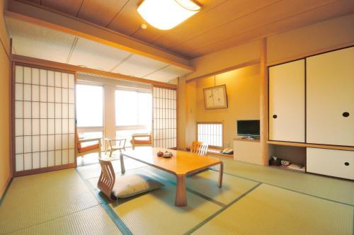 Miyahama Grand Hotel - Accommodation - Hatsukaichi