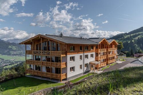 . Skylodge Alpine Homes