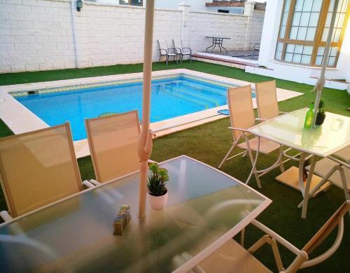 Chalet con Piscina Privada - Hotel - Humilladero