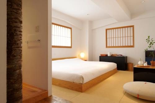 Meguro-ku Chuocho 1-3-18, Tokyo, 152-0001, Japan.