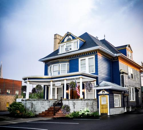 . The Old Library Inn Bed & Breakfast