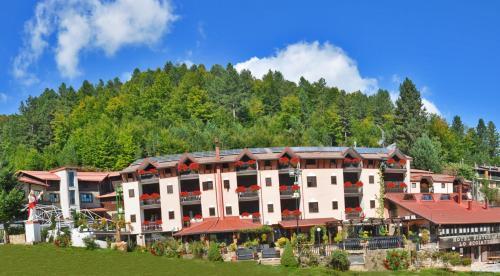 __{offers.Best_flights}__ Hotel Lo Scoiattolo