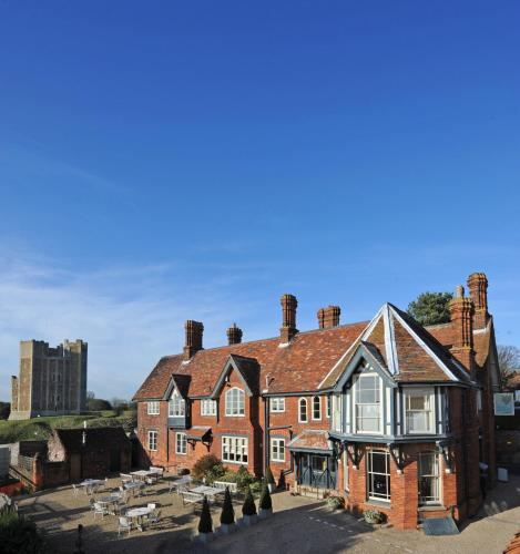 Crown and Castle Hotel, Orford, Suffolk IP12 2LJ, England.