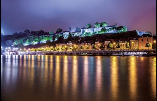 Grandes chambres privées, Pension in Namur