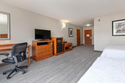 Hampton Inn & Suites Mystic - Mystic, CT CT 06355