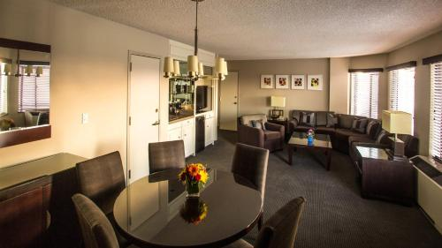 Crowne Plaza Concord - Walnut Creek - Concord, CA CA 94520