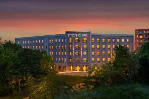 . Staybridge Suites - Quincy, an IHG Hotel