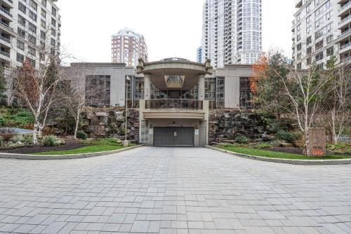 . PlanURstay - City View Luxury Condo