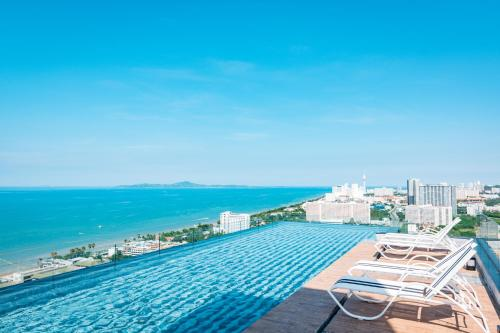 The Riviera Jomtien by Pattaya Holiday