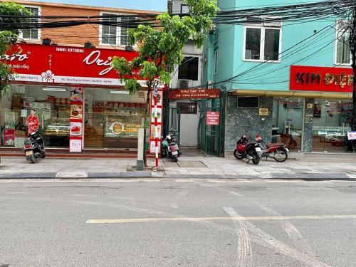 Ong Ich Khiem Homestay, Ba Đình