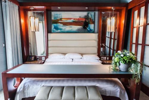 Shade Hotel Manhattan Beach - Manhattan Beach, CA CA 90266
