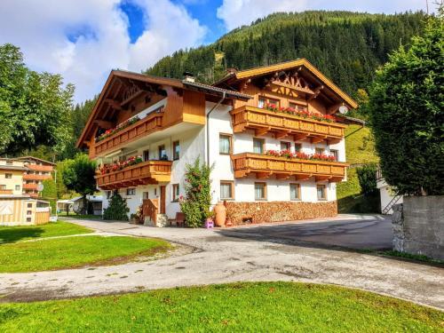 Alpen Appartements Lärchenhof Lermoos