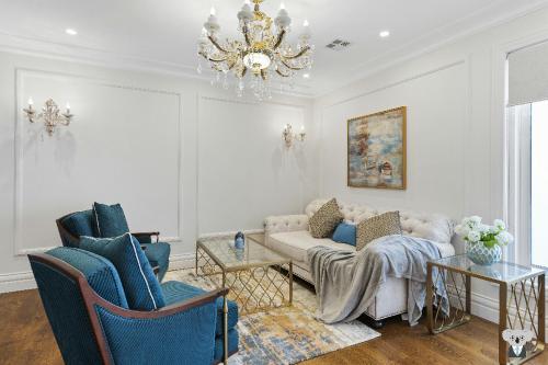 Luxury Style With Design &Cozy 7 BEDs House VGW036, Monash - Waverley West