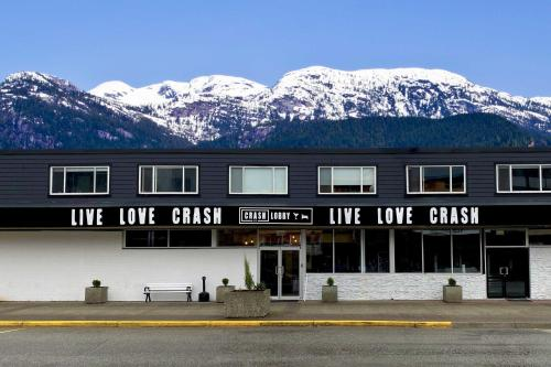 Crash Hotel Squamish