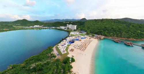. Royalton Antigua Resort & Spa - All Inclusive
